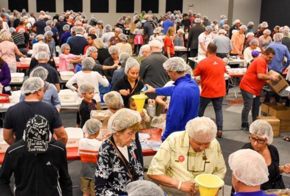杨利伟是不是基督徒_佛罗里达州大型教会准备30多万份饭菜 送给中东难民 | 基督邮报